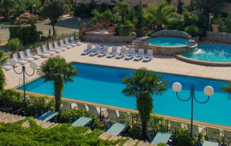 Location en résidence de vacances en Corse